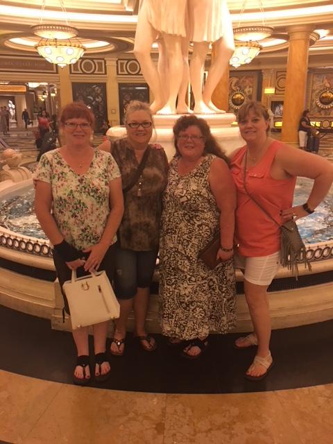 Vegas sisters